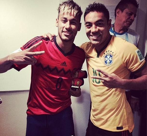 Neymar e Fabián nos bastidores do Castelão, em Fortaleza