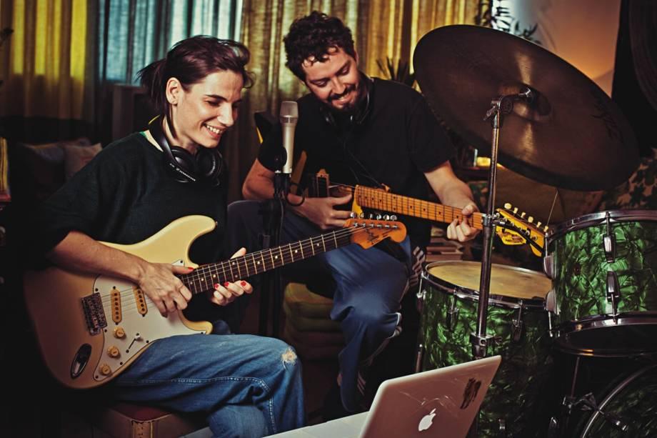 Nina e Callado: canções sobre o cotidiano do casal
