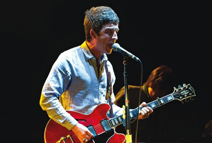Ex-Oasis, o guitarrista mostra músicas do seu trabalho-solo no projeto Live Music Rocks