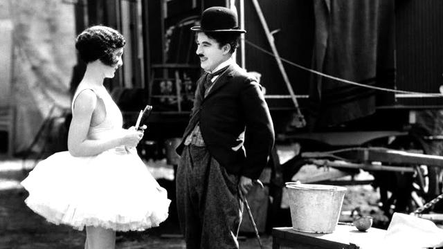 O filme O Circo (1928), de Charles Chaplin: projeção e trilha sonora tocada ao vivo pela Orquestra Experimental de Repertório