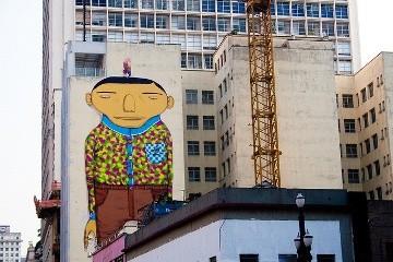 O Estrangeiro, de OSGEMEOS, desenho na rua