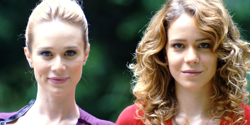 O Uivo da Gaita: Antônia (Mariana Ximenes) e Luana (Leandra Leal)