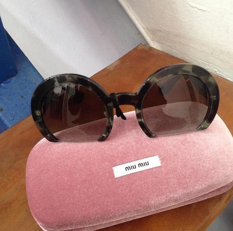 Óculos de sol Miu Miu R$ 530,00. (Foto: Reprodução/Instagram)