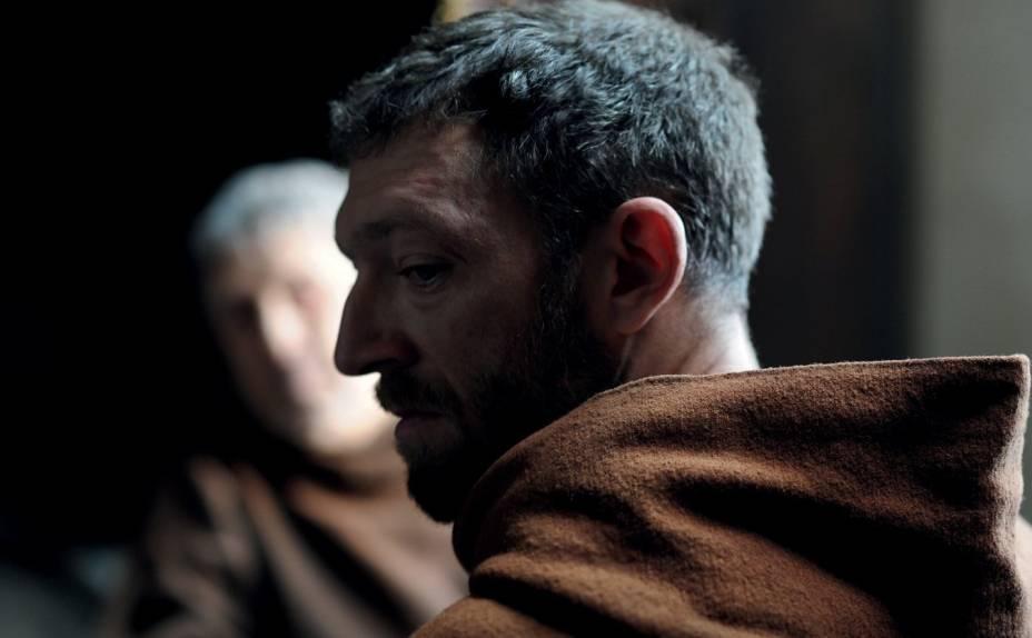 O Monge: personagem de Vincent Cassel é tentado pelo diabo a cometer erros