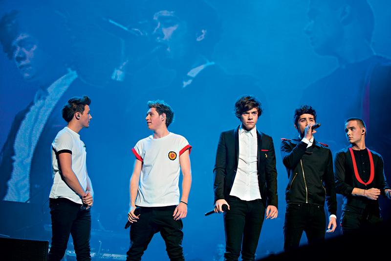 Louis, Niall, Harry, Zayn e Liam: faixas dos três álbuns no repertório