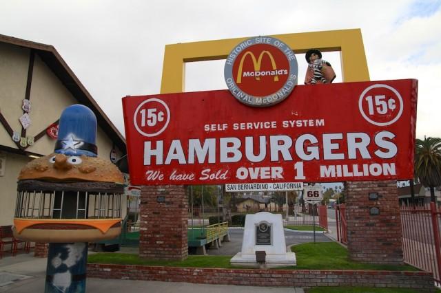 Em San Bernardino, na Califórnia: a primeira loja do McDonalds virou um museu