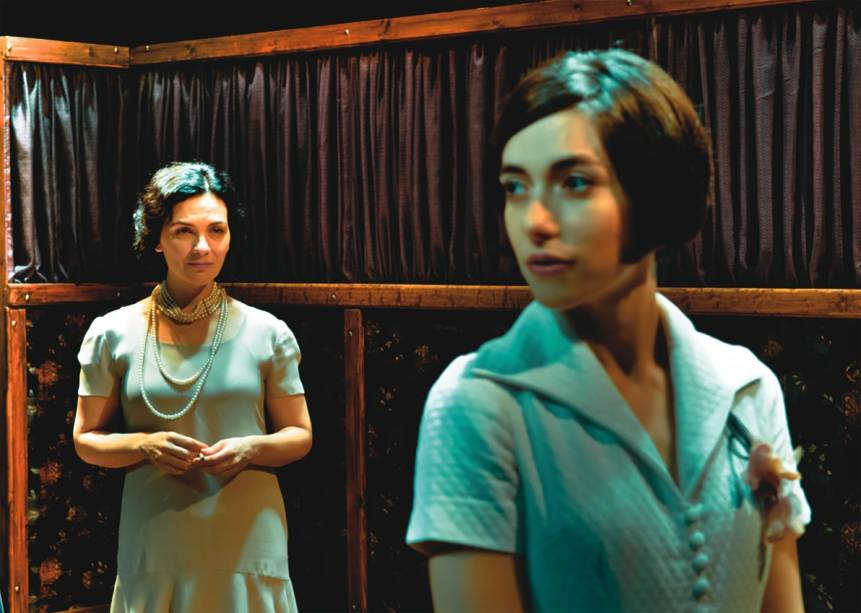 Victória Camargo e Julia Ianina em Os Amigos dos Amigos: o drama é uma adaptação de conto de Henry James