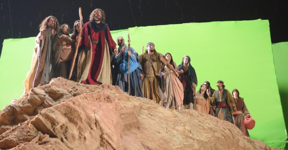 Elenco durante as gravações da cena: efeitos especiais made in Hollywood