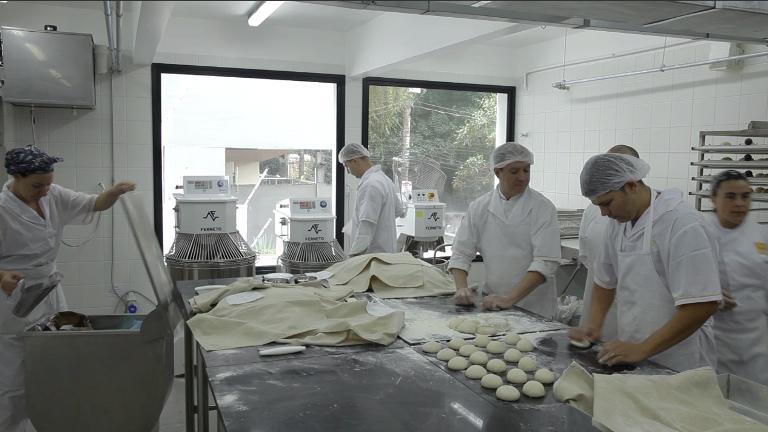 A produção: instalada no piso superior da padaria