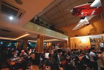Bar Brahma Aeroclube: noites cheias com os novos grupos