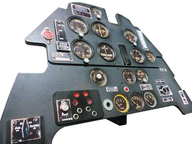 Painel de controle do modelo alemão Messerschmitt da Segunda Guerra