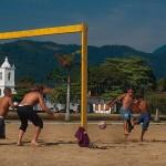 Futebol-caiçara em Paraty (RJ) (Crédito: Caio Vilela)