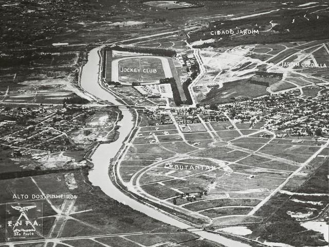 Foto aérea da região, ainda pouco habitada, em 1950: a chegada da USP, na década seguinte, atraiu mais moradores (Foto: Estado Maior das Forças Armadas/ Acervo Companhia City de Desenvolvimento)