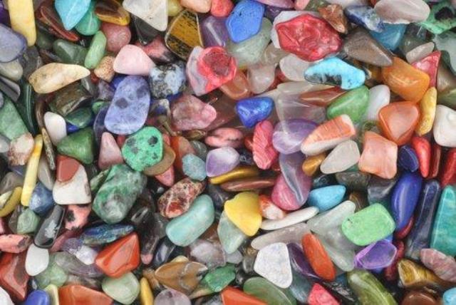 Pedras brasileiras ajudam a se proteger contra más vibrações