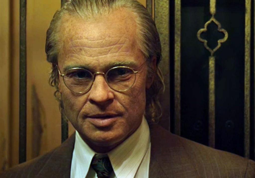 Brad Pitt com maquiagem de envelhecimento para fazer Benjamin Button