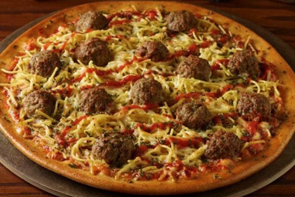 pizza-de-macarronada-1460394674218_615x300