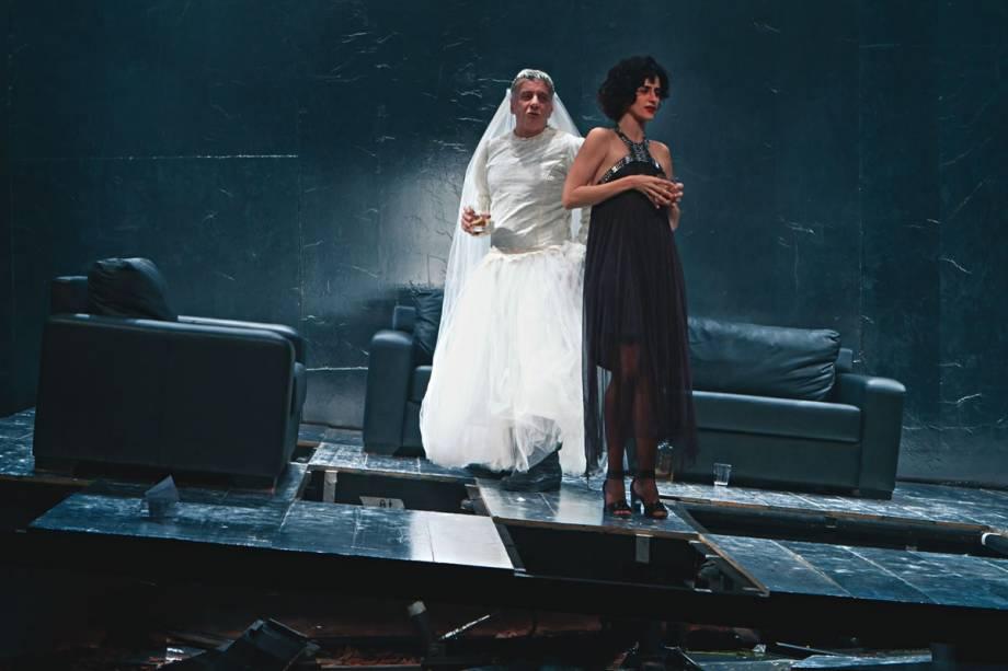 Vestido de noiva: Marco Nanini brilha na tragicomédia Pterodátilos