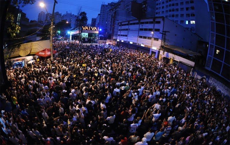 Vai-Vai: ensaio na rua e o samba-enredo em homenagem a Elis Regina (Foto: Reprodução)