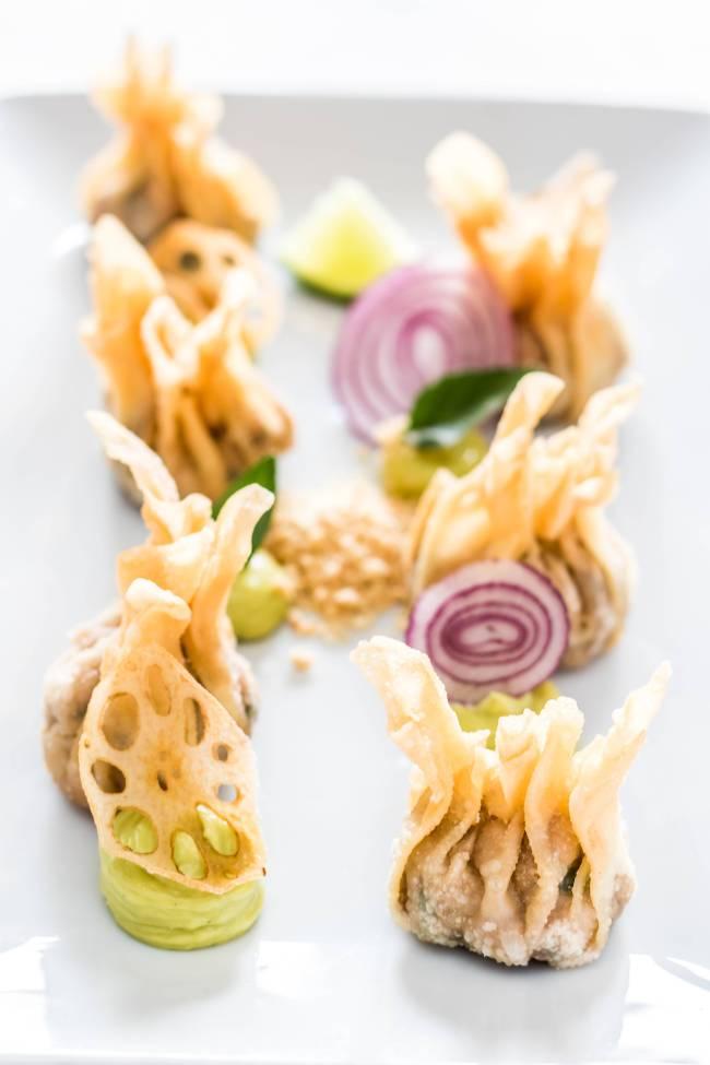 raviolis fritos de frango e camarao_esther rooftop_foto leo feltran_0004