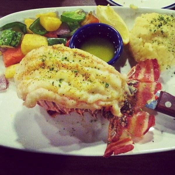 Cauda de lagosta: um dos pratos mais pedidos do restaurante (Foto: Carla Hansen/Instagram)