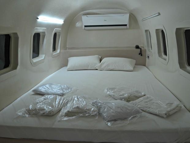 O interior do avião do motel do Acre