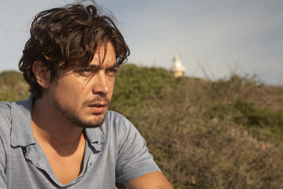 Riccardo Scamarcio é o protagonista de Una Piccola Impresa Meridionale