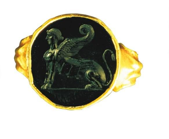 Anel com imagem de esfinge: objetos de uso diário estão na mostra Roma - A Vida e os Imperadores
