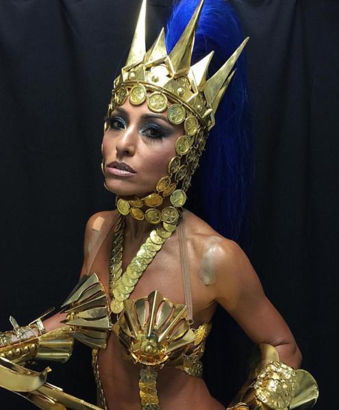 Fantasia deixou a mostra curativos do desfile de Sabrina Sato para a Gaviões da Fiel, em São Paulo (Foto: Reprodução/Instagram)
