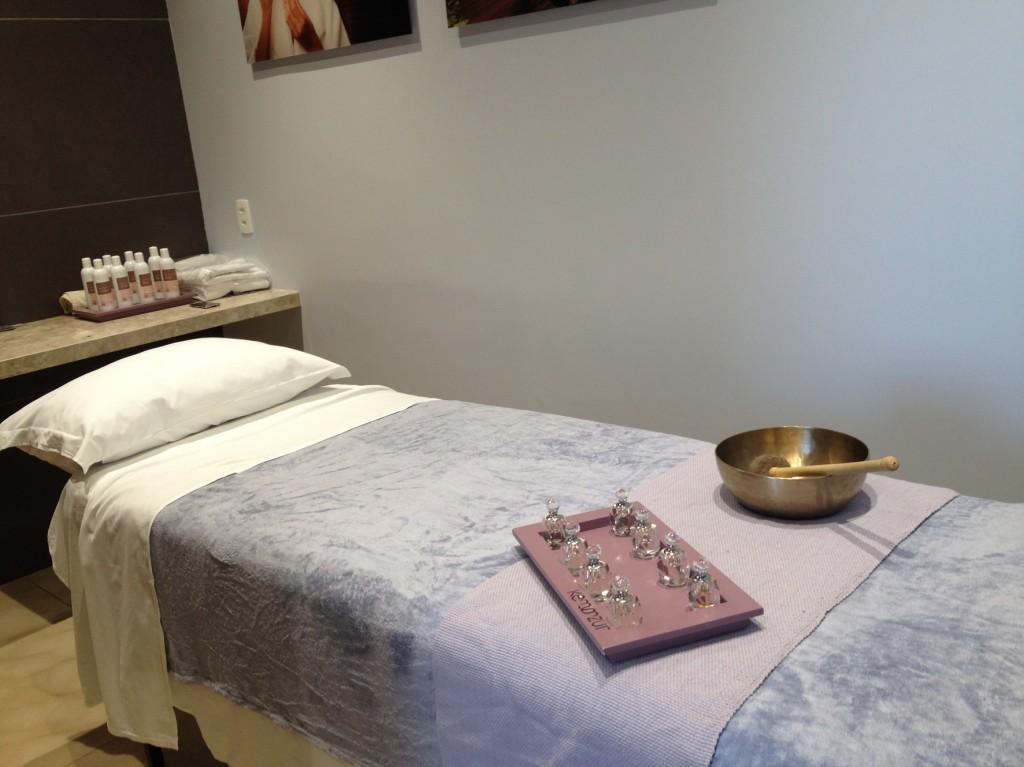 Sala de massagem do spa Kennzur, dentro do Hospital Albert Einstein