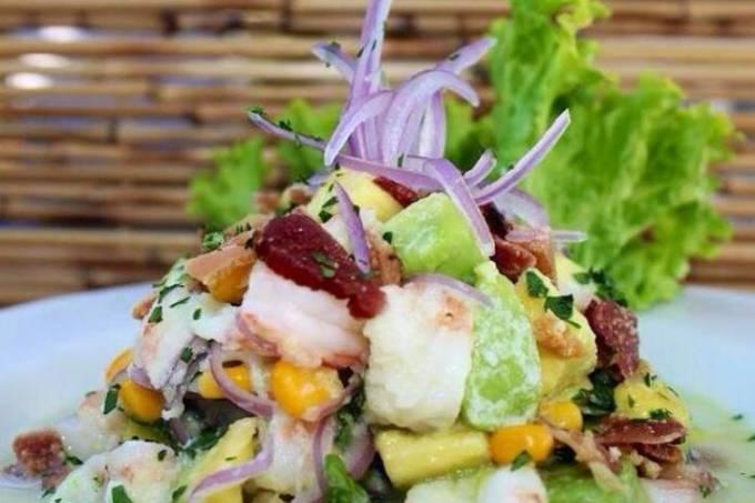 Ceviche mexicano: adição de abacate