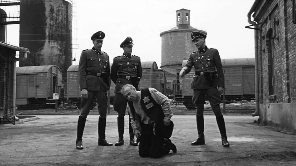 Cena de A Lista de Schindler, de Steven Spielberg