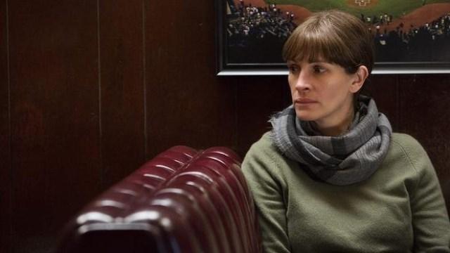 Julia Roberts passa por uma tragédia em família no suspense Olhos da Justiça