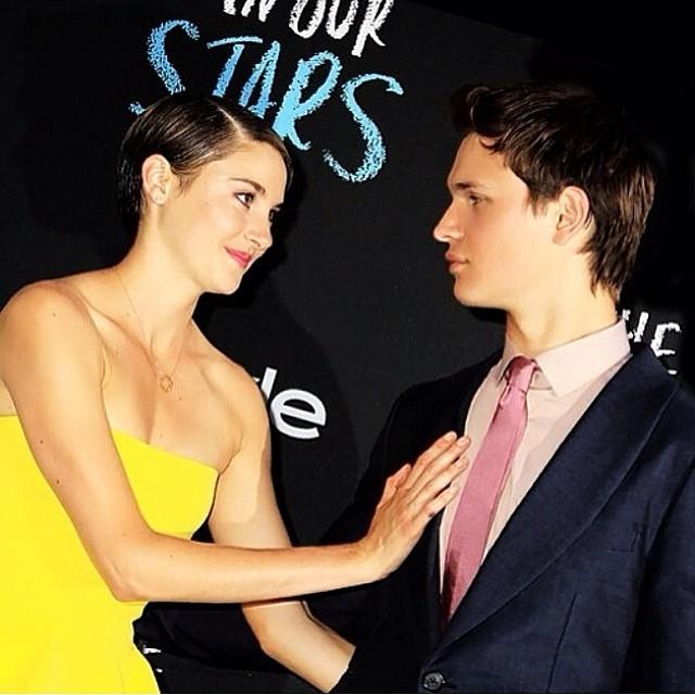 Com Shailene Woodley, na pré-estreia de A Culpa É das Estrelas