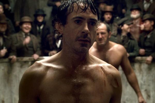Robert Downey Jr faz o papel principal em Sherlock Holmes