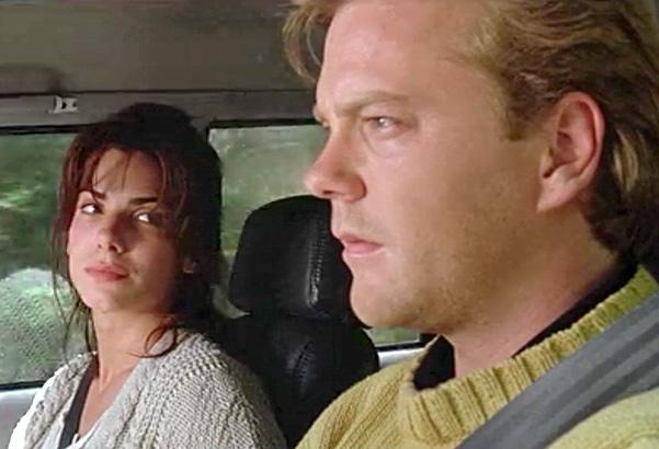 1993 – Ao lado de Kiefer Sutherland no eletrizante suspense O Silêncio do Lago