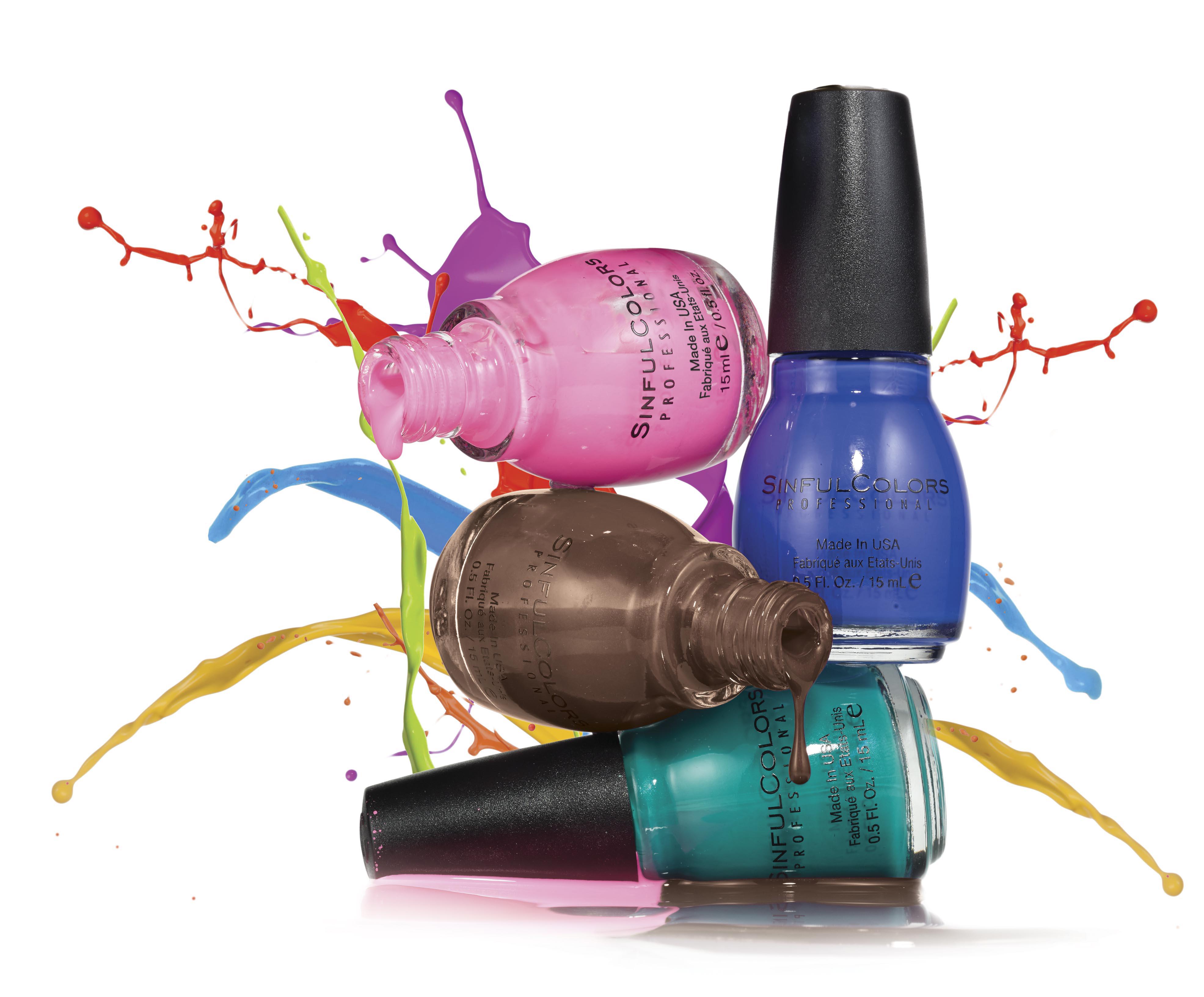 A marca Sinful Colors chega ao Brasil com uma cartela de 49 cores incríveis e cheias de estilo. Na foto: Pink Forever, Midnight Blue e Nirvana Savage. O preço sugerido é R$ 6,99 (cada)