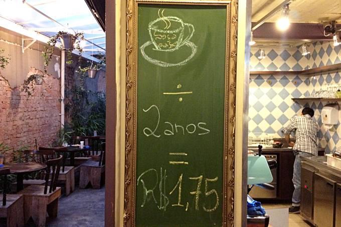 sofa-cafe1-sophiabraun