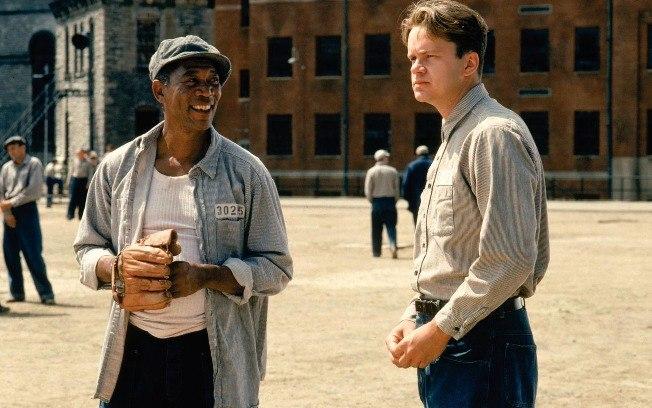 Morgan Freeman e Tim Robbins em Um Sonho de Liberdade: dias 7, 8 e 11 de novembro