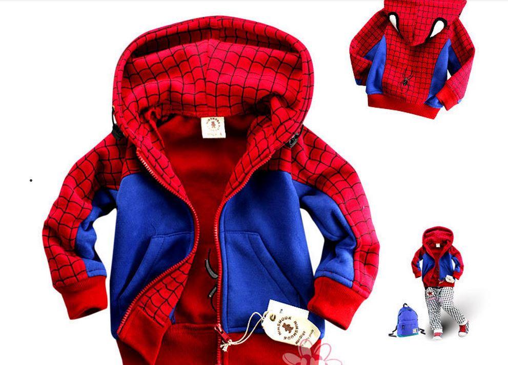 Jaqueta que simula a roupa do Homem-Aranha