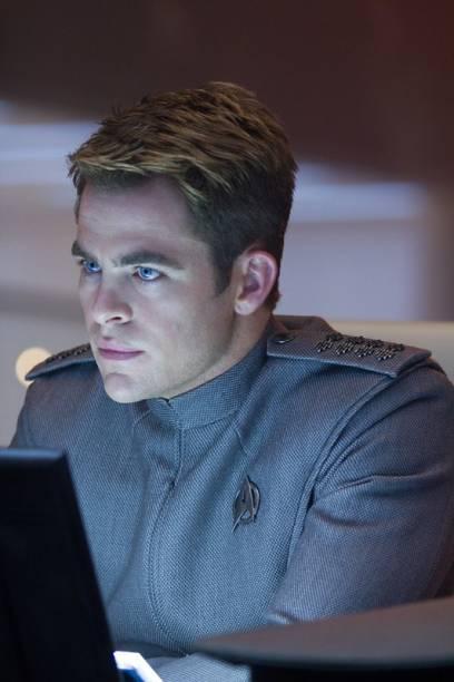 Além da Escuridão - Star Trek: o planeta fica em estado de crise absoluta