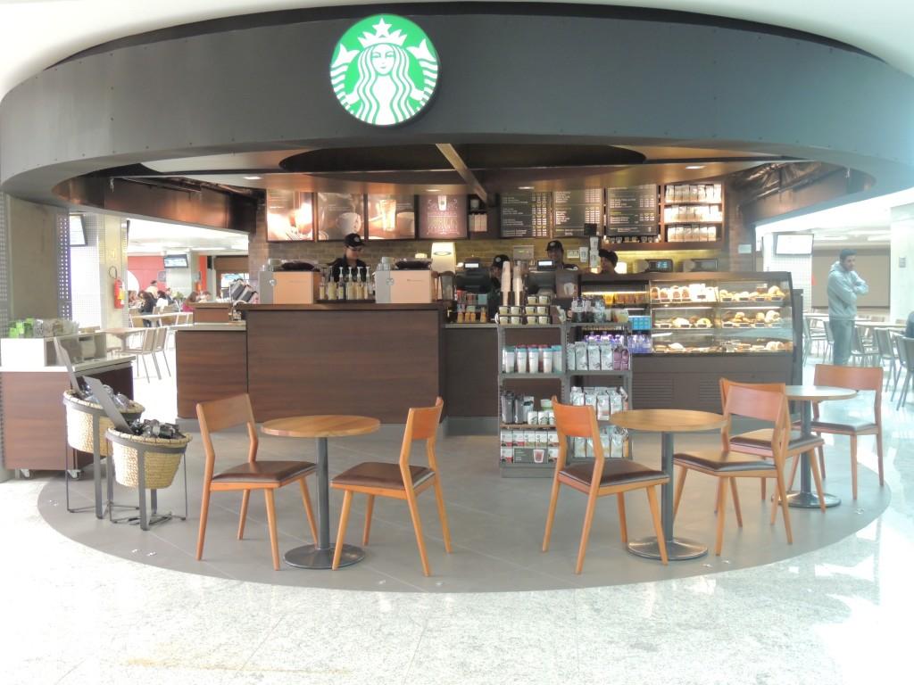 Com duas unidades, a Starbucks chegou com tudo no aeroporto