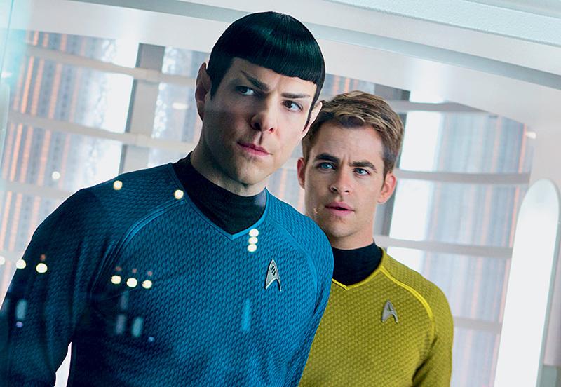Além da Escuridão - Star Trek: Spock e Kirk são tripulantes da Enterprise à procura de um terrorista