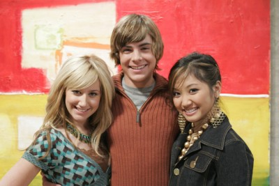 2006: no seriado Zack & Cody: Gêmeos em Ação