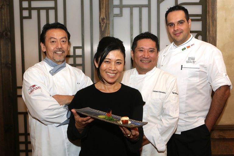 Jantar beneficente: Hideko com os chefs Koike, Kanashiro e Muro