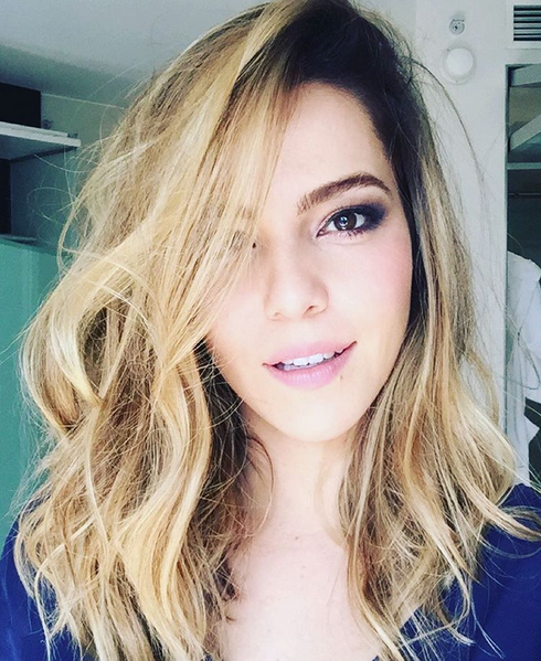 Foi a primeira vez que a atriz ficou com os cabelos tão claros