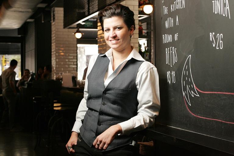 A bartender Talita Simões: agora em novo endereço (Foto: Fernando Moraes)