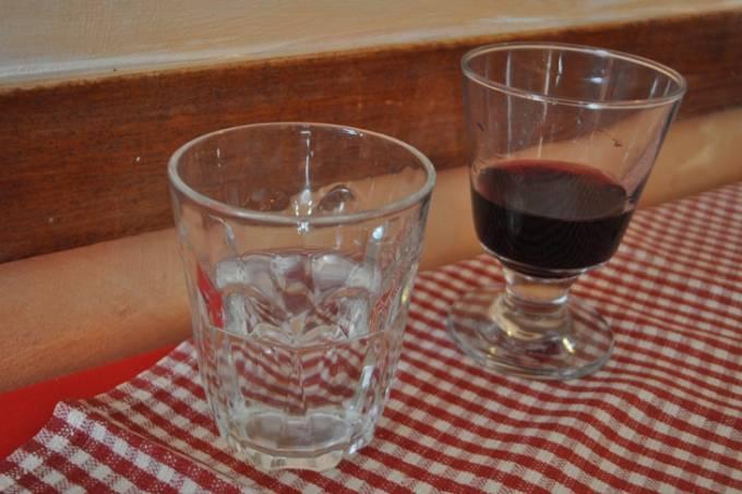 tanto-pe-magna-copo-agua-vinho-arnaldo-lorencato