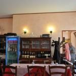Ambiente apertadinho: duas salas para as refeições