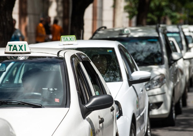 taxis_gustavo-andrade