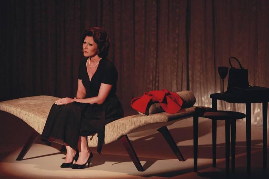 Karin Rodrigues e Alessandra Negrini: pouco à vontade em um moderno e atraente cenário
